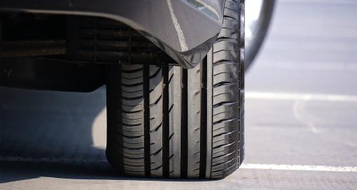 Pression pneus à Roanne - Carrosserie Poude